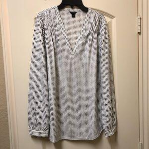 Beautiful Ann Taylor blouse